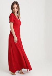 Fashion Union Petite - HENRY BUTTON THROUGH MIDI DRESS WITH TRIM DETAIL - Robe longue - deep red - 1
