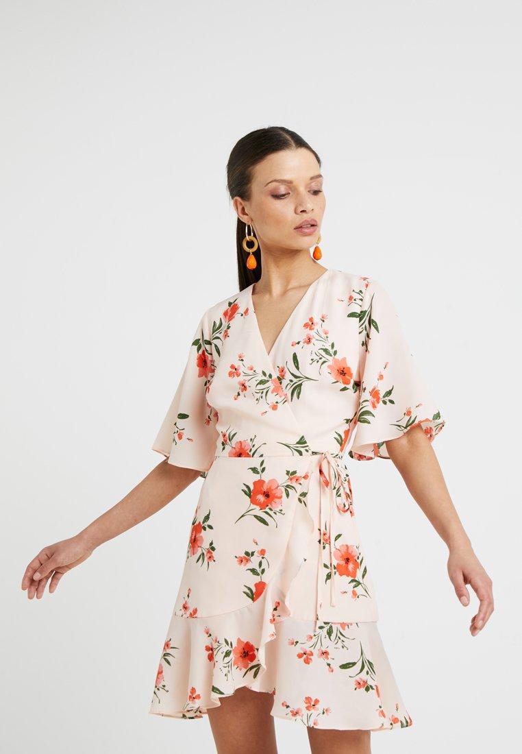Fashion Union Petite - FUSS - Vestito estivo - peachy