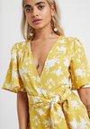 Fashion Union Petite - SHERRIE - Hverdagskjoler - summer shadow