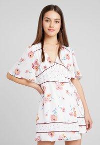Fashion Union Petite - MIXER - Robe d'été - multi-coloured - 0