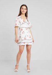 Fashion Union Petite - MIXER - Robe d'été - multi-coloured - 1