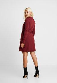 Fashion Union Petite - BANEBERRY - Robe pull - burgundy - 3