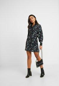 Fashion Union Petite - PEACH - Robe d'été - star - 2