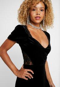 Fashion Union Petite - OATILIA - Denní šaty - black - 5