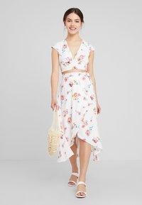 Fashion Union Petite - MEAD - Blouse - multi-coloured - 1
