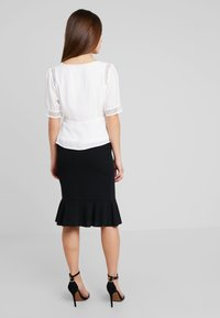 Fashion Union Petite - BLOUSE WITH INSERT - Blouse - ivory - 2