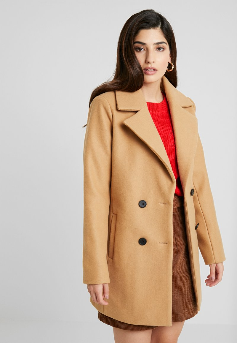 Fashion Union Petite - TRACIE DOUBLE BREASTED - Short coat - camel