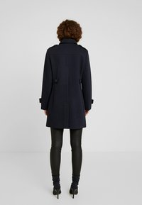 Fashion Union Petite - DOUBLE BREASTED PEA COAT - Kort kappa / rock - navy - 2