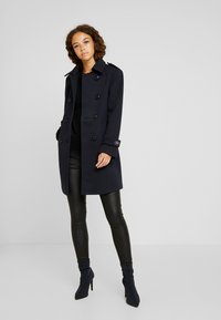 Fashion Union Petite - DOUBLE BREASTED PEA COAT - Kort kappa / rock - navy - 0