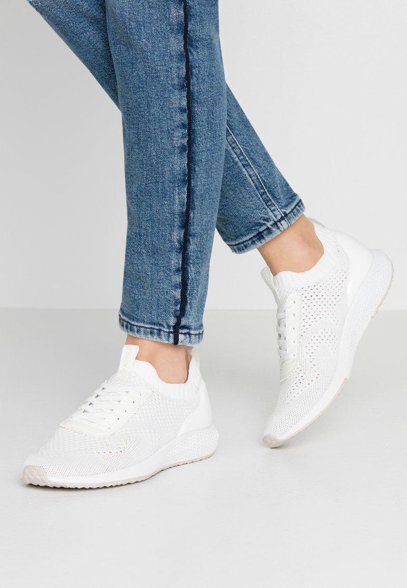 Tamaris Fashletics - Sneakers - white