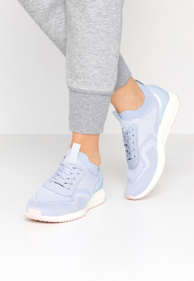 Sneakers - powder blue