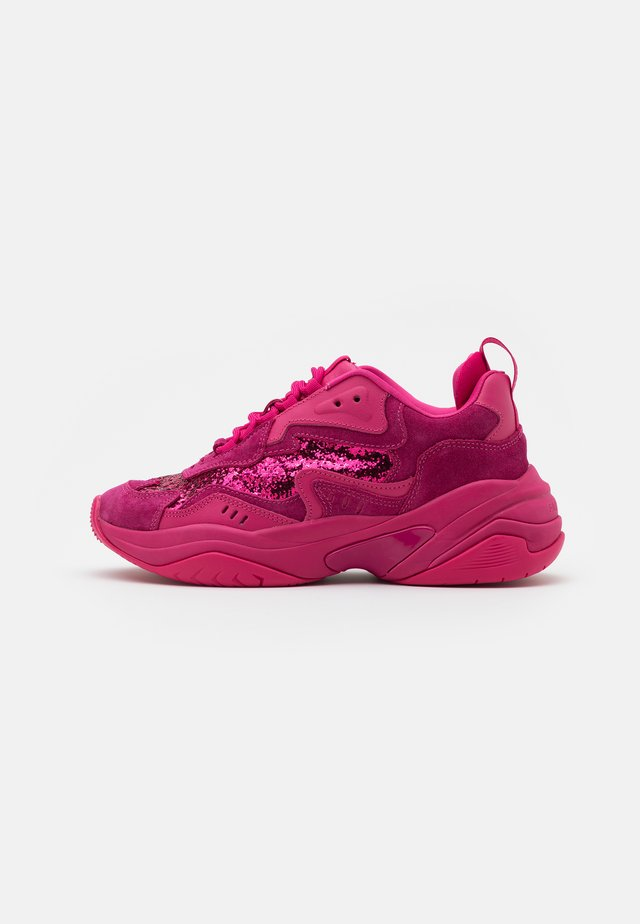 LACE UP - Joggesko - hot pink