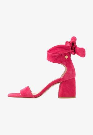 SELENE  - Sandals - pinata pink