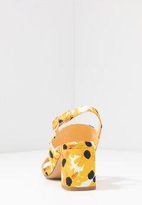 Fabienne Chapot - BELLE  - Sandals - offwhite - 5