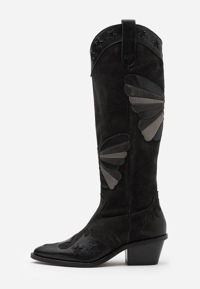 HOLLY KNEE HIGH BUTTERFLY - Kovbojské/motorkářské boty - black