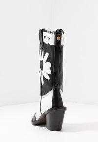 Fabienne Chapot - DOLLY HIGH SPECIAL  - Cowboy/Biker boots - black/white - 5