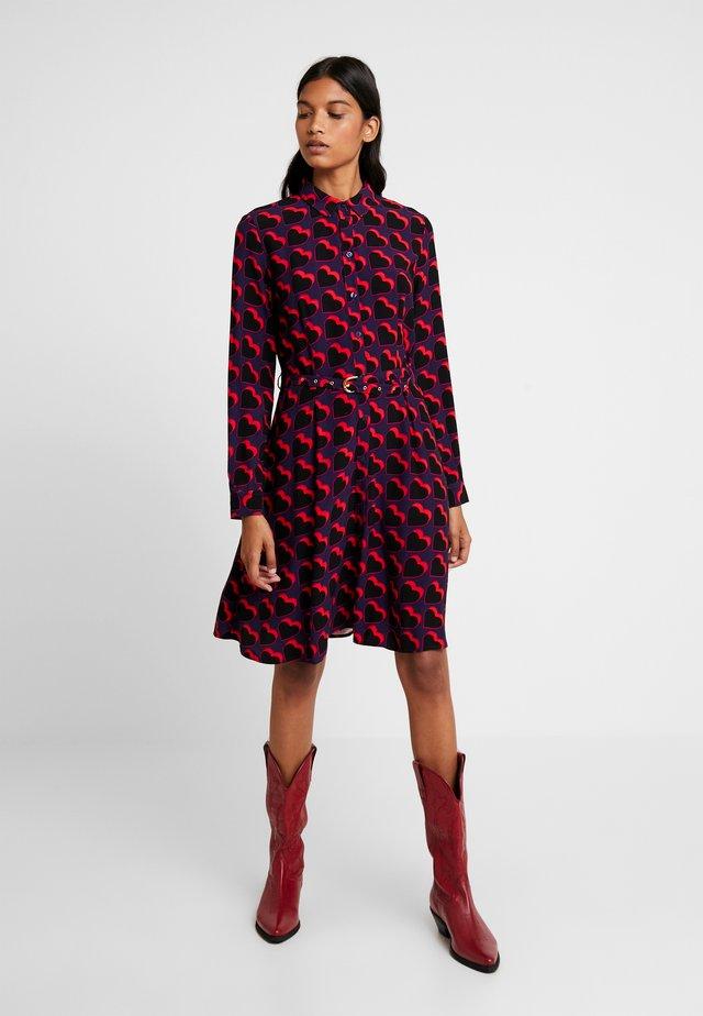 HAYLEY DRESS - Shirt dress - game over hearts