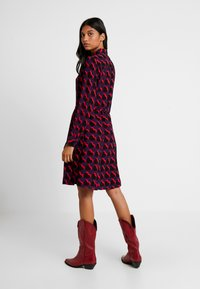 Fabienne Chapot - HAYLEY DRESS - Blusenkleid - game over hearts - 2