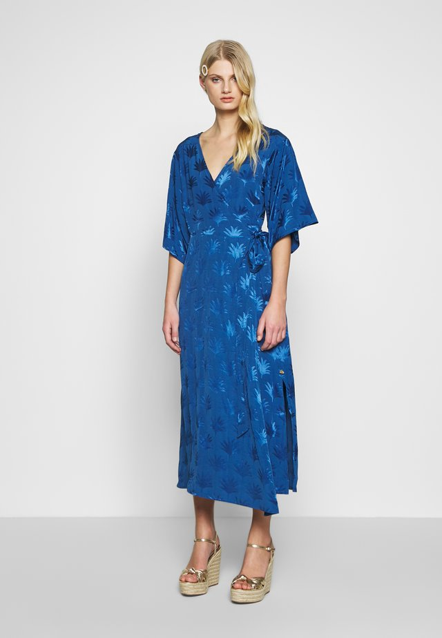 WENDY DRESS - Hverdagskjoler - fan blue