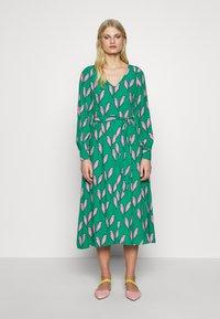 Fabienne Chapot - DANIRA DRESS - Denní šaty - pink pepper - 0