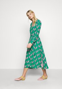 Fabienne Chapot - DANIRA DRESS - Denní šaty - pink pepper - 1