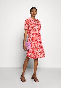 Fabienne Chapot - BOYFRIEND LOVELY LOVE - Shirt dress - crazy coral - 1
