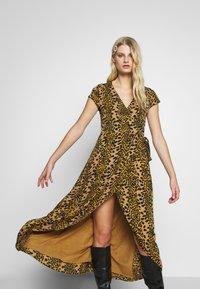 Fabienne Chapot - ARCHANA LOU DRESS - Day dress - retro panther - 4