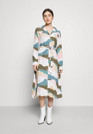 THEA DRESS - Denní šaty - olive green/dusty pink