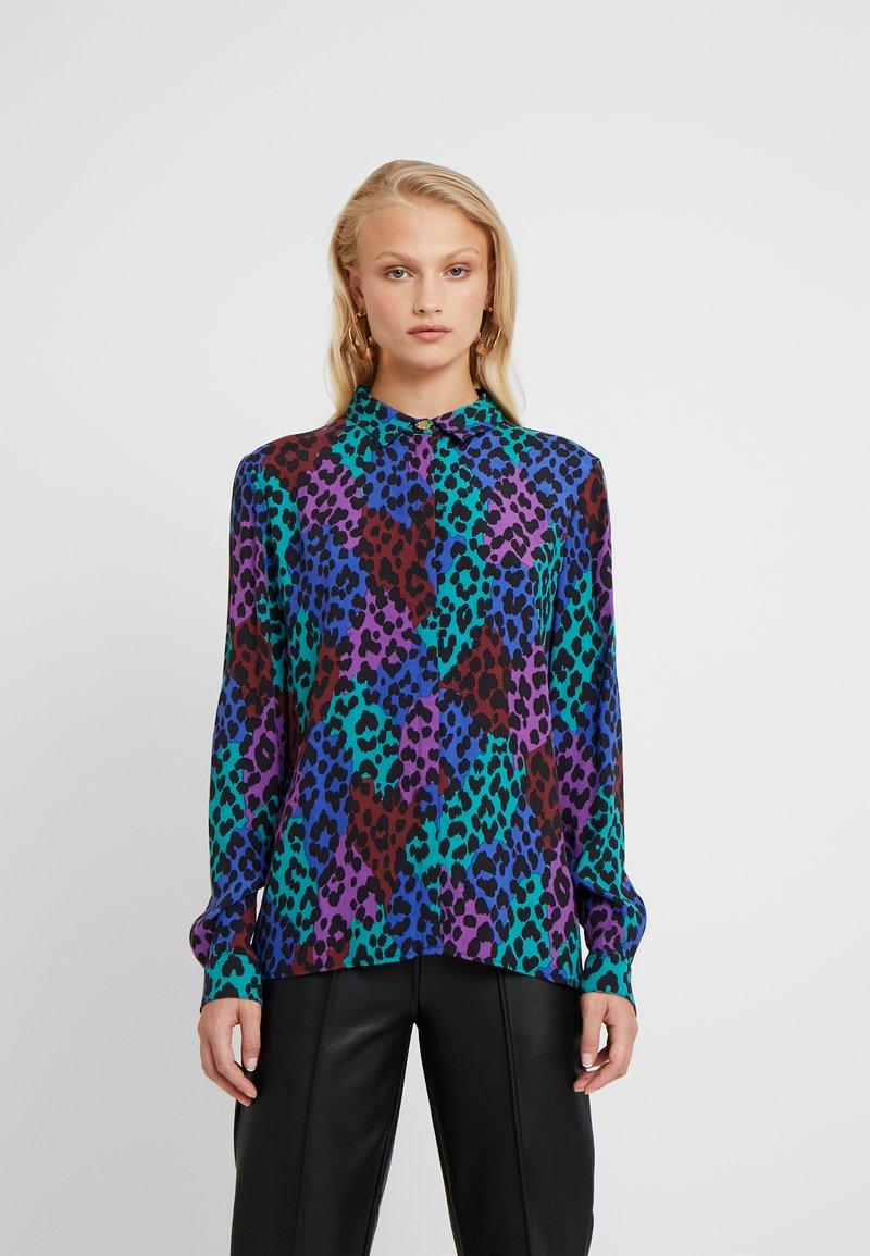 Fabienne Chapot - PERFECT BLOUSE - Button-down blouse - dark blue/pink
