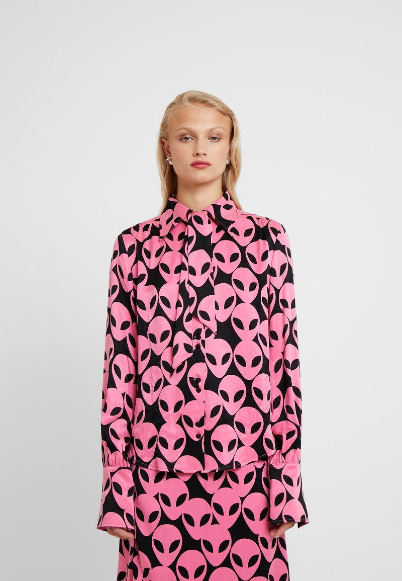 Fabienne Chapot - PARIS BLOUSE - Button-down blouse - black/pink