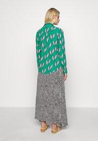 Fabienne Chapot - NOA BLOUSE - Button-down blouse - pink pepper - 2