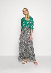 Fabienne Chapot - NOA BLOUSE - Button-down blouse - pink pepper - 1