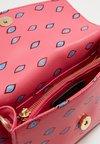 Fabienne Chapot - RHEA SMALL PRINTED - Psaníčko - bright pink