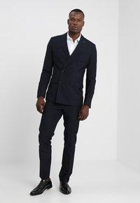 Farah Tailoring - HENDERSON - Dress - true navy - 0