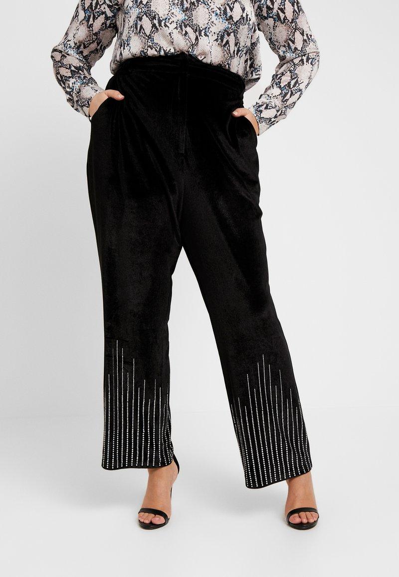 Fashion Union Plus - SHINE TROUSER - Pantalon classique - black