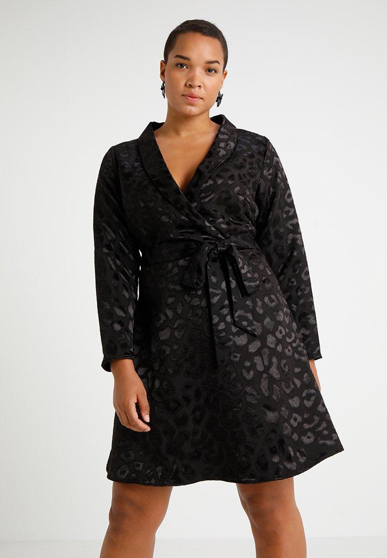 Fashion Union Plus - ANIMAL JACQUARD DRESS - Denní šaty - black leopard