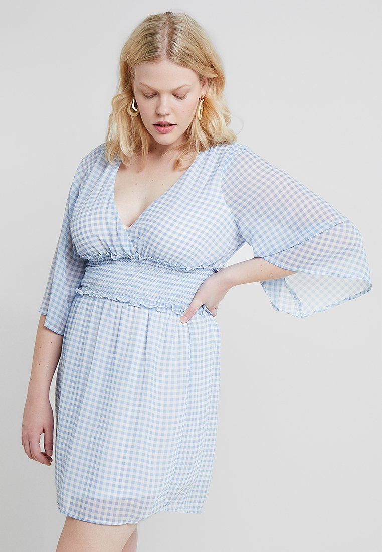 Fashion Union Plus - GIGHAM CHECK WRAP SKATER DRESS - Denní šaty - sky blue