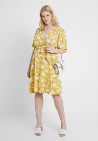 Fashion Union Plus - WRAP DRESS IN FLORAL PRINT - Day dress - summer shadow - 2