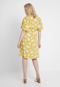 Fashion Union Plus - WRAP DRESS IN FLORAL PRINT - Day dress - summer shadow - 3