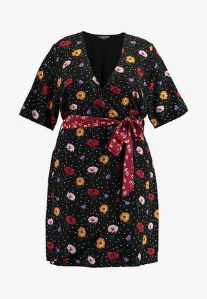 FASHION UNION WRAP DRESS WITH CONTRAST PRINT WAIST TIE - Sukienka letnia - black