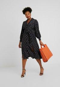 Fashion Union Plus - PRINTED BUTTON THROUGH DRESS - Sukienka koszulowa - black - 2
