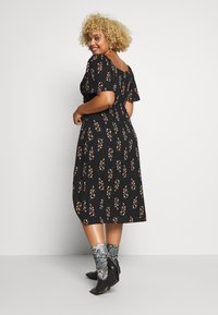 Fashion Union Plus - FLORAL WRAP FRONT MIDI DRESS - Day dress - black - 2