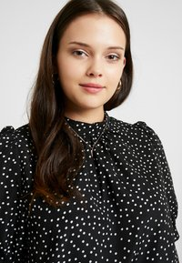 Fashion Union Plus - HIGH NECK BLOUSE WITH SLEEVE TIES - Bluser - black - 3