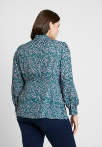 Fashion Union Plus - PEONIE PUSSYBOW BLOUSE - Bluser - multi-coloured - 2