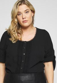 Fashion Union Plus - DOLLY BLOUSE - Blouse - black - 4