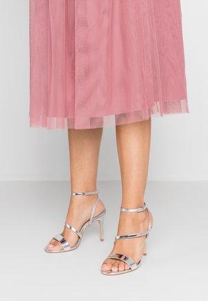 WIDE FIT DELLY - High Heel Sandalette - silver
