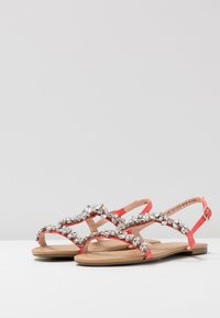 Faith Wide Fit - WIDE FIT WILE - Sandaler - coral - 4