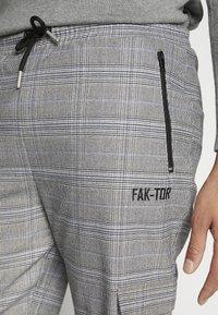 FAKTOR - ANILIA TROUSER - Stoffhose - black - 5