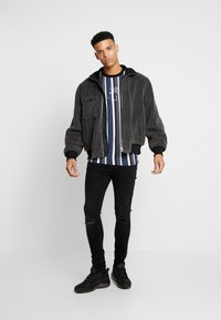 FAKTOR - CRUZ - Slim fit jeans - black wash - 1