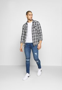 FAKTOR - AMIAS BIKER - Jeans Skinny Fit - blue wash - 1